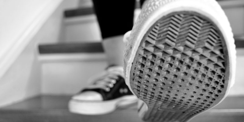 HOW TO FIX SHOE SOLE SEPARATION